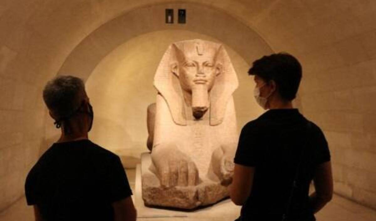 Louvre Covid