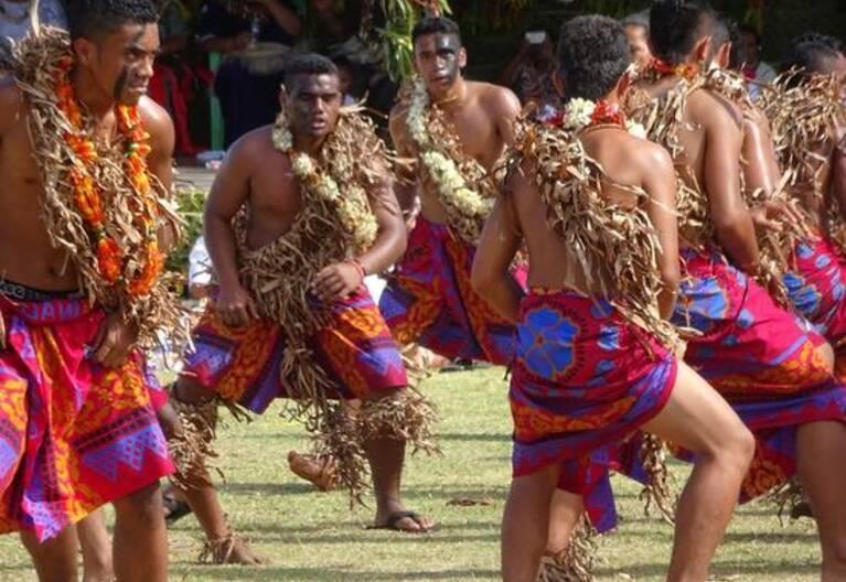 29 juillet 2016 - Danses traditionnelles, prestation du groupe des jeunes futuniens de l'internat de Lano