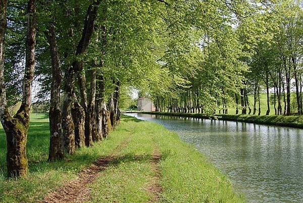 Pays de Langres - Canal entre Champagne et Bourgogne