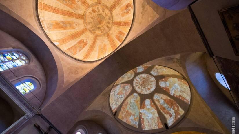 Vue du décor de la coupole occidentale et de la projection sur la coupole orientale