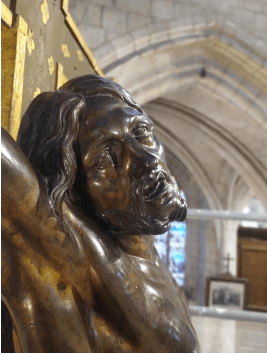 Christ en croix (XVIIe s., H = 130 ; la = 90), attribué à François Girardon, église Saint-Rémy de Troyes, détail du visage après restauration © Emilie Malassenet