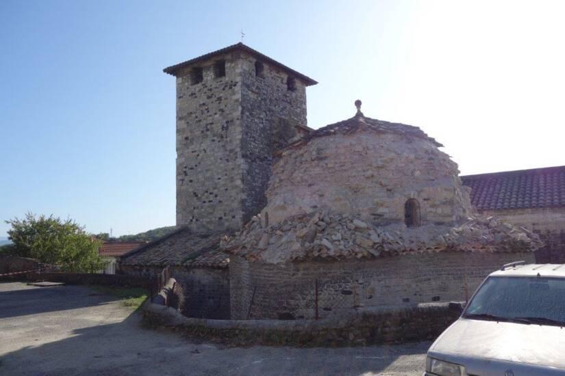 Le Teil - église de Saint-Etienne de Mélas - vue extérieure après le séisme