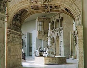 Musée des monuments français, Vue de la salle 19 : la première Renaissance, fin 15e et début 16e siècle.  Photo (C) RMN-Grand Palais / René-Gabriel Ojéda
