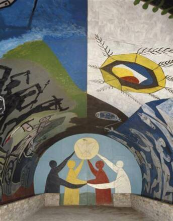 """Décors de la chapelle du château de Vallauris """"Le temple de la Paix"""", Musée national Pablo Picasso. Photo (C) RMN-Grand Palais (musée national Picasso - Vallauris) / Patrick Gérin"""