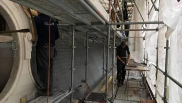 Abbaye de Clairvaux. Restauration des couvertures du réfectoire chapelle. Couverture en plomb des lucarnes
