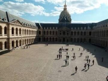 Cour d'honneur des Invalides, Musée de l'armée/RMN-GP