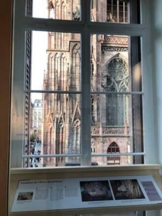 Fenêtre focus sur la cathédrale de Strasbourg - CIAP de Strasbourg