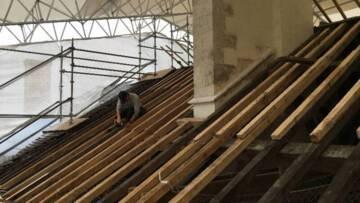 Abbaye de Clairvaux. Restauration des couvertures du réfectoire chapelle. Charpente