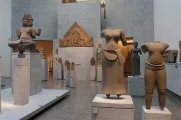Musée national des arts asiatiques Guimet : salle de l'Asie du Sud-Est Photo (C) RMN-Grand Palais (MNAAG, Paris) / Thierry Ollivier