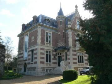 28-Hanches : villa de La Billarderie