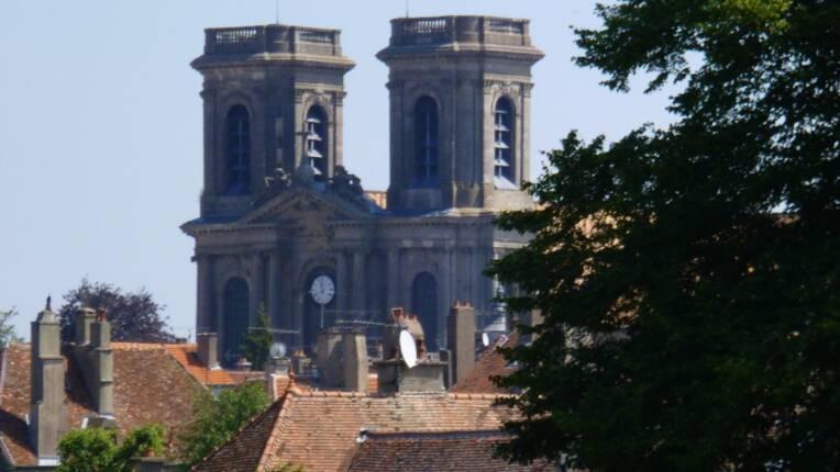 Massif occidental de la cathédrale de Langres