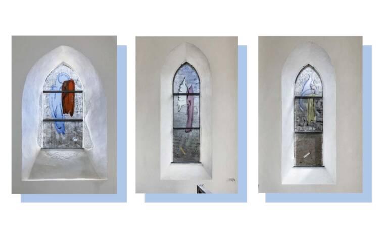 Commande publique : Vitraux de Jenna Kaes dans l'église de Monthuchon (50)