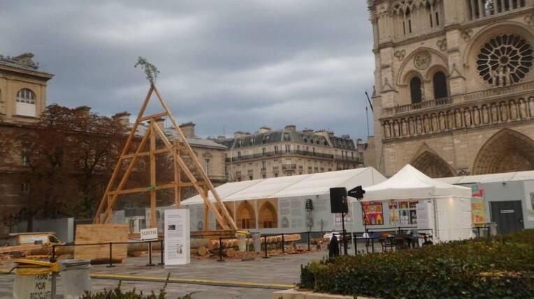 18-19 septembre 2021 - Un village des métiers sur le parvis de la cathédrale Notre-Dame de Paris - 38e JEP