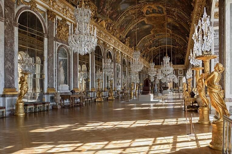 Chateau de Versailles, Galerie des Glaces / Myrabella, Source : Wikimedia Commons