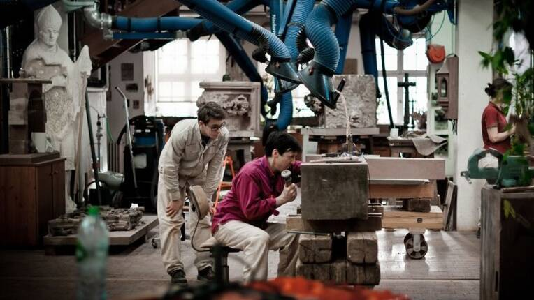 « Les techniques artisanales et les pratiques coutumières des ateliers de cathédrales inscrites au patrimoine de l'UNESCO