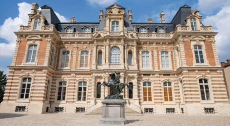 Ouverture du musée du vin de Champagne et d'archéologie régionale d'Epernay