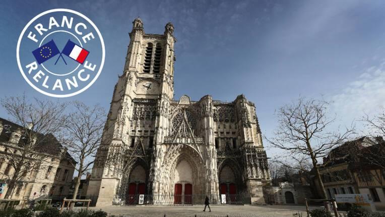 Plan de relance de l'économie :  lancement du chantier de restauration de la Tour Sud  de la cathédrale de Troyes