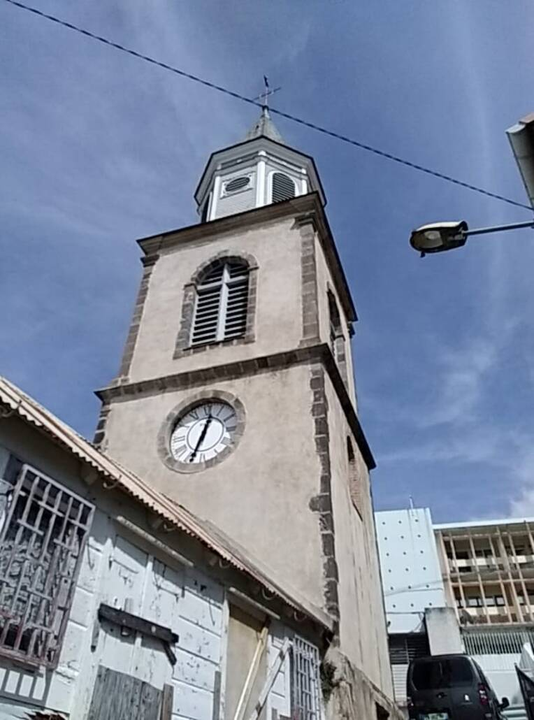 Une nouvelle horloge pour la cathédrale de Basse-Terre