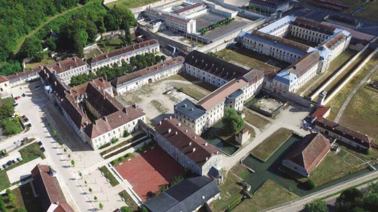 Co-construire le projet de reconversion du site de l'ancienne abbaye de Clairvaux (Aube)