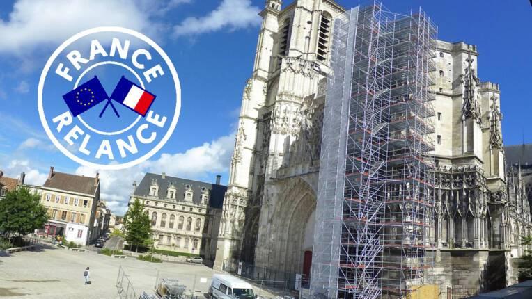 Plan de relance / Cathédrale de Troyes. Le montage de l'échafaudage est achevé : vidéo timelapse