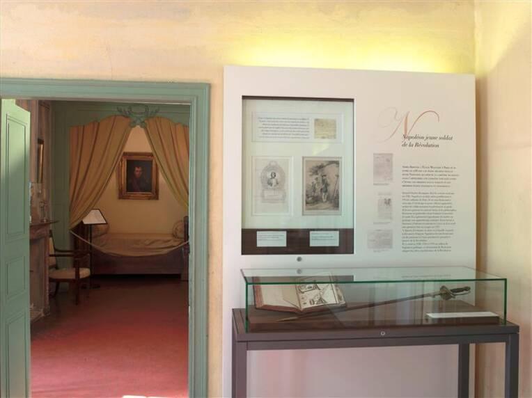 """Ajaccio, musée de la maison Bonaparte, Salle """" La maison du jeune Napoléon Bonaparte"""", Photo (C) RMN-Grand Palais (maison Bonaparte) / Gérard Blot"""