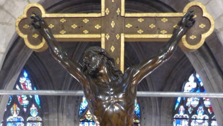 Christ en croix (XVIIe s., H = 130 ; la = 90), attribué à François Girardon, église Saint-Rémy de Troyes, après restauration © Emilie Malassenet
