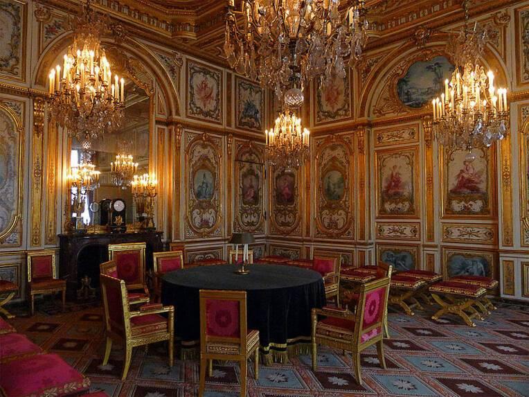 Fontainebleau, château, salon / Mbzt, Source : Wikimedia Commons