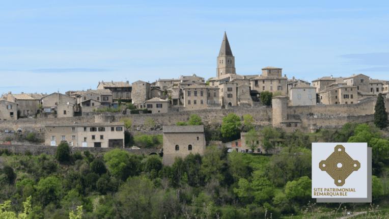 Vue d'ensemble de Puycelsi et Larroque