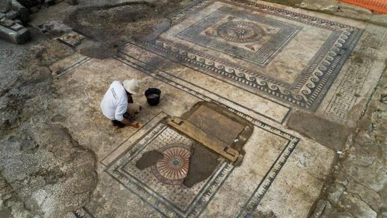 Archéologie : une mosaïque documente la présence romaine à Uzès