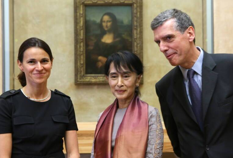 Aung San Suu Kyi visite le Louvre en compagnie de Aurélie Filippetti