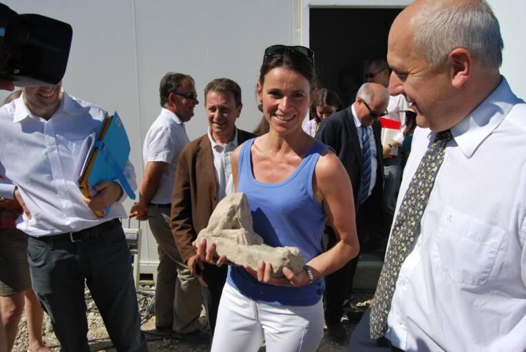 Visite du site de la Zac d'Ussol par Aurélie Filippetti lors des Journées nationales de l'archéologie