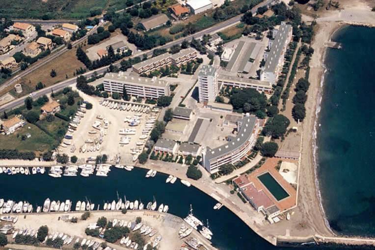 Simone Berriau plage - Hyères, vue aérienne