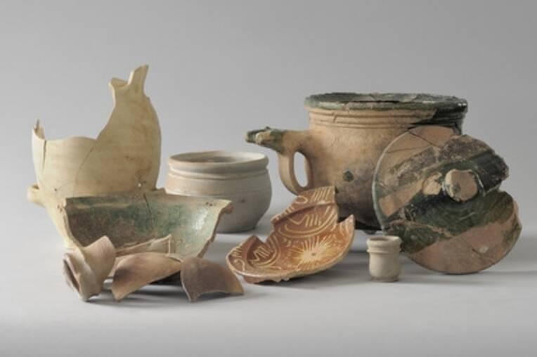 Ensemble de céramiques et d'objets (deuxième moitié du XVIIe s.) liés à la vie quotidienne des soldats