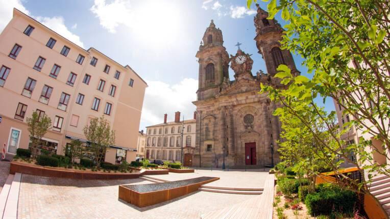 Parvis de l'église Saint-Jacques à Lunéville