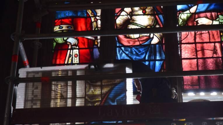 Dépose des vitraux de la cathédrale d'Auch