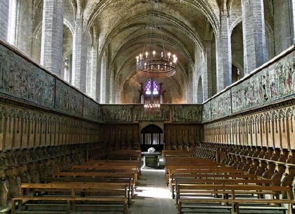 Chaise-Dieu tapisseries Photographie ancienne montrant les tapisseries dans l'église abbatiale (v1950)