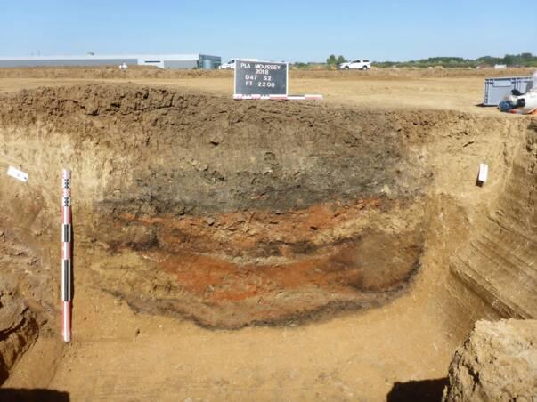 fouille archéologique à Moussey dans l'Aube, Silo du Hallstatt D1 - Photo Inrap