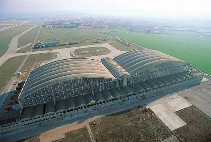 Aéroport Marseille-Provence - Marignane, vue aérienne des hangars Perret