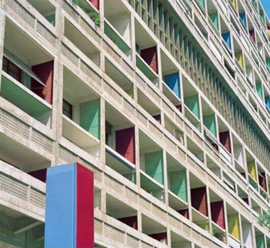 Cité radieuse - Marseille, Loggias et brise-soleil des étages de service