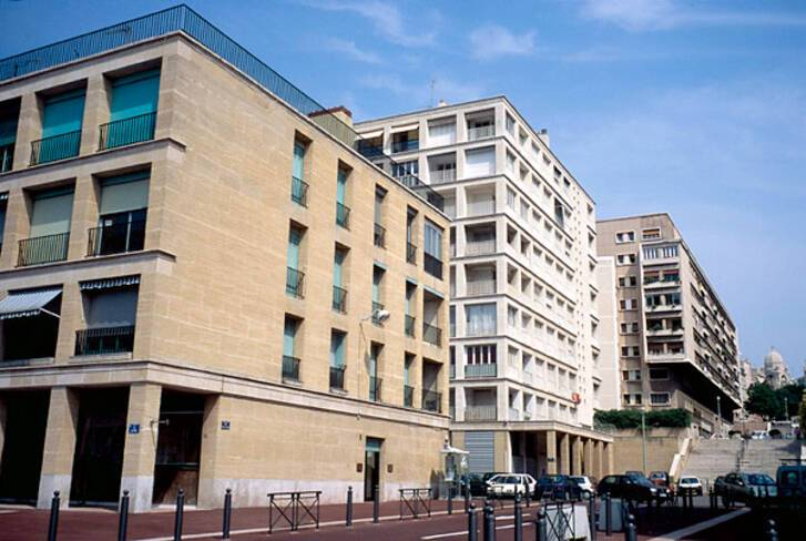 Vieux-port - Marseille, axe transversal entre le quai et la place de Lenche