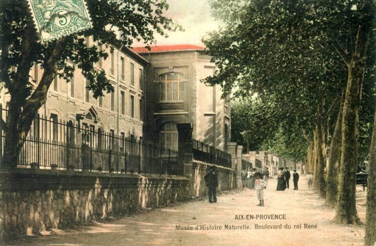 Le bâtiment vu du boulevard du Roi René, carte postale