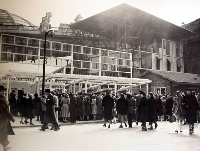 A l'arrière , la maquette échelle 1 de l'Unité d'habitation de Toulon