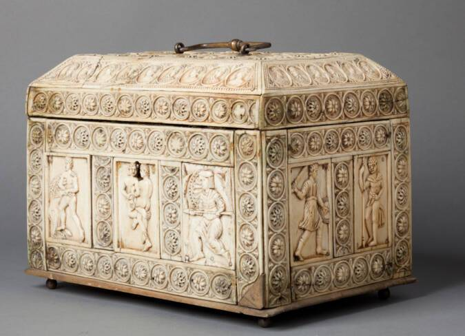 Coffret Byzantin en ivoire 10°siècle  - Trésor de la cathédrale Saint-Jean à Lyon