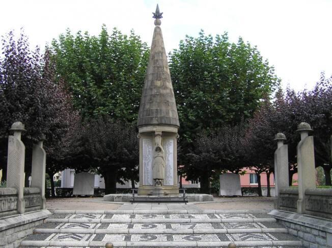Monument aux morts de Saint-Girons (09)