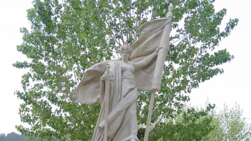Monument aux morts de Saint-Jean-du-Gard (30)