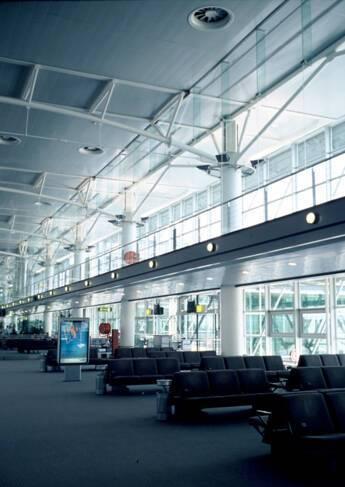 Aéroport Marseille-Provence- Marignane, structure métallique : charpente tridimensionnelle d'un hall d'extension