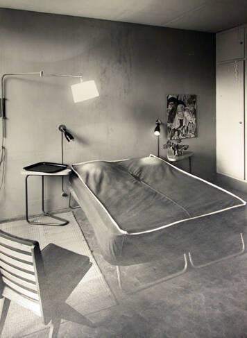 Aménagement de la chambre réalisé par Charlotte Perriand