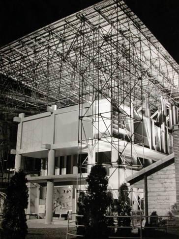 Maquette, échelle 1, de l'Unité d'habitation de Toulon. Façade latérale et façade sud