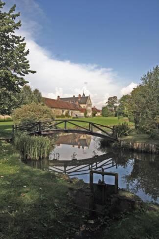 Oise, Breuil-le-Sec, parc et potager du château