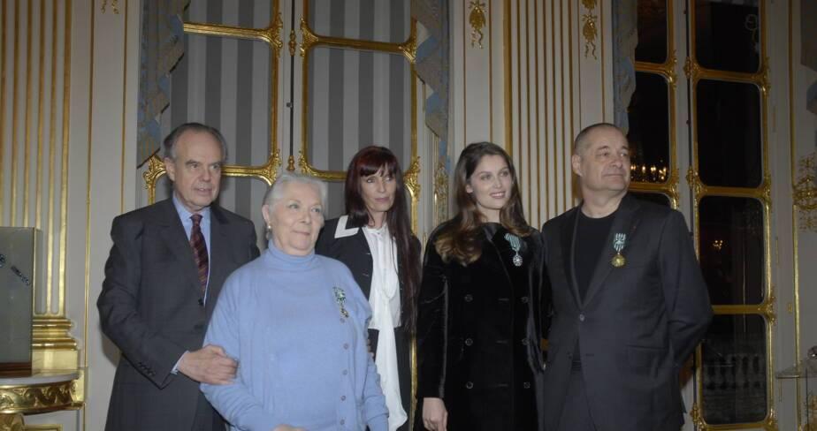 Frédéric Mitterrand en compagnie de Aline Bonetto, Jean-Pierre Jeunet, Claude Gensac et Laetitia Casta